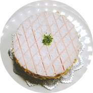 洋菓子教室フランボワーズ「コンチネンタルケーキコース」でツーガー・キルシュトルテを教えています。